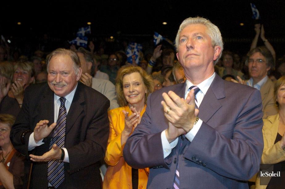 Jacques Parizeau, Lisette Lapointe et Gilles Duceppe lors du «couronnement» de Pauline Marois à la tête du Parti québécois, le 27 juin 2007 (Photothèque Le Soleil, Erick Labbé)