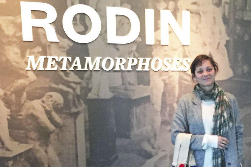 Marion Cotillard lors de son passage au Musée... (PHOTO FOURNIE PAR LE MBAM)