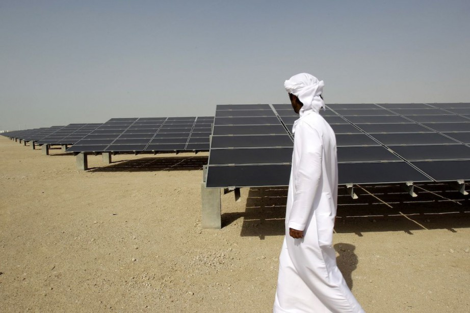 Abou Dhabi compte augmenter la part des énergies... (Photo Kamran Jebreili, Archives AP)