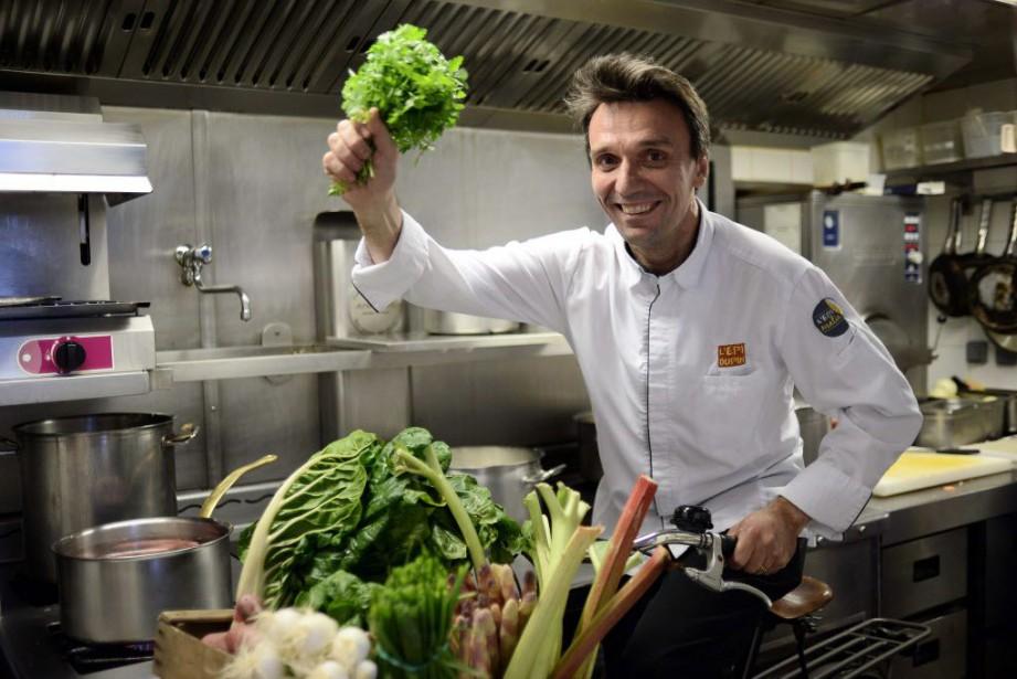 François Pasteau, de l'Epi Dupin à Paris, est... (PHOTO STEPHANE DE SAKUTIN, AFP)