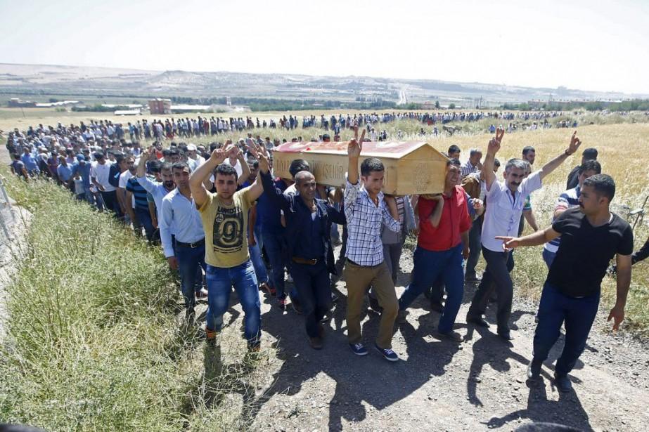 Après l'attaque de Diyarbakir, le chef du file... (Photo Osman Orsal, Reuters)
