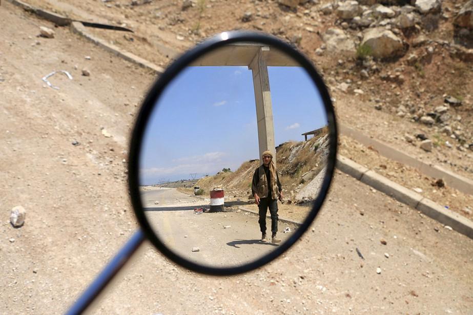 Le conflit en Syrie opposait au départ le... (Photo Mohamad Bayoush, Reuters)