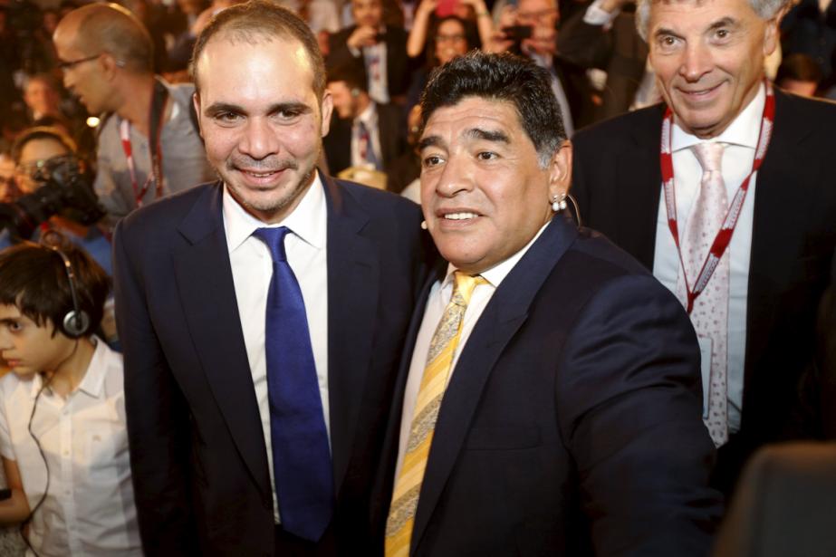 Le prince jordanien Ali Bin Hussein et Diego... (Photo Muhammad Hamed, Reuters)