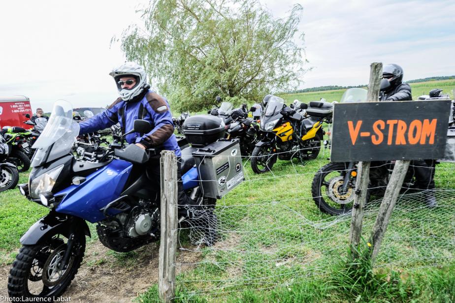 Une épreuve de maniabilité à moto sera organisée dimanche, avec à la clé des prix remis aux pilotes les plus méritants, gracieuseté de l'équipementier allemand Touratech. (Photo fournie par la Brocante moto)