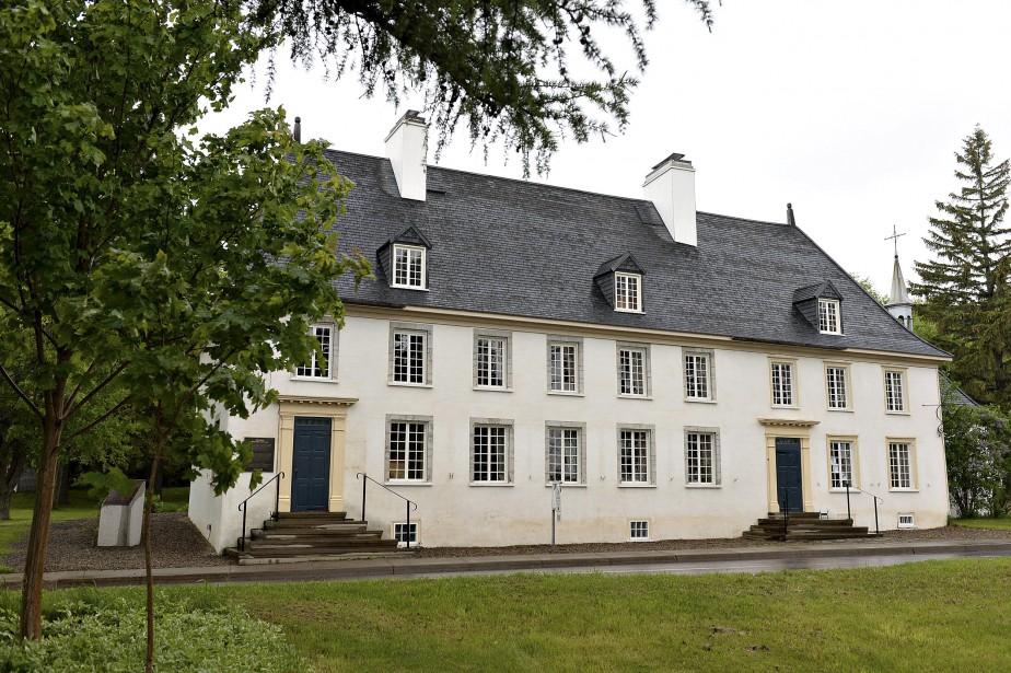 Par sa forme et son gabarit, le manoir Mauvide-Genest s'inspire du Château Saint-Louis, résidence des gouverneurs de la Nouvelle-France. (Le Soleil, Patrice Laroche)