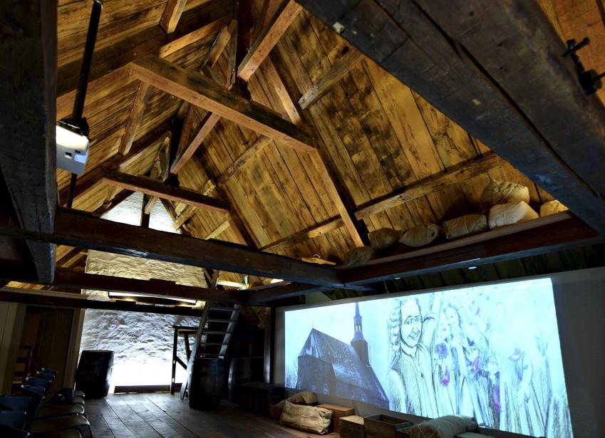 Superbe, le toit du grenier. Une projection multimédia raconte le Régime français. (Le Soleil, Patrice Laroche)