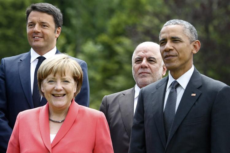 Barack Obama aurait fait le geste compromettant devant... (Photo: AP)