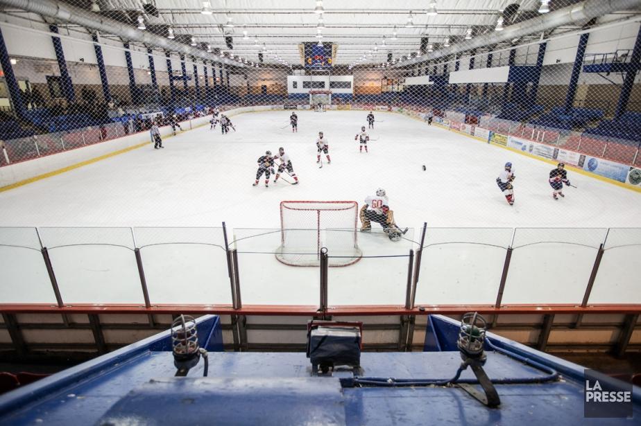Dès la rentrée, Hockey Québec souhaite interdire complètement... (PHOTO EDOUARD PLANTE-FRÉCHETTE, ARCHIVES LA PRESSE)
