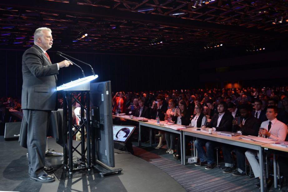 Philippe Couillard s'est exprimé samedi devant quelque 2000... (Photo Ryan Remiorz, La Presse Canadienne)