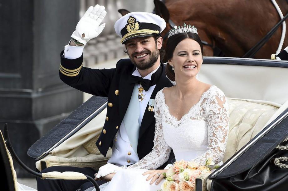 Leprince Carl Philip de Suède et son épouse... (Photo Mikael Fritzon, Reuters)