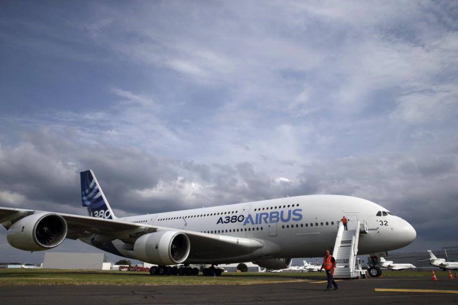 Un Airbus A380 au salon de l'aéronautique du... (PHOTO PASCAL ROSSIGNOL, REUTERS)
