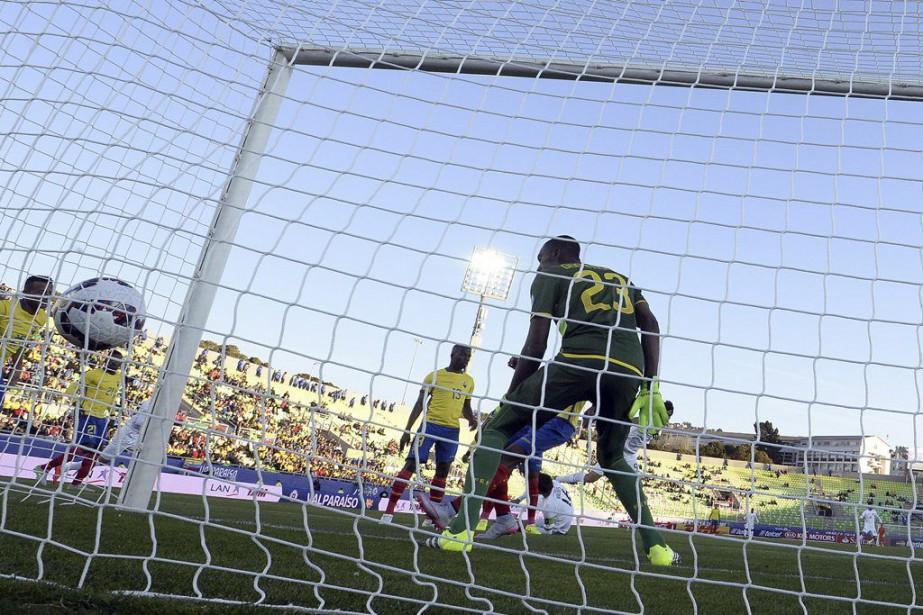 Ronald Raldes a marqué le premier butdès la... (PHOTO JUAN BARRETO, AFP)