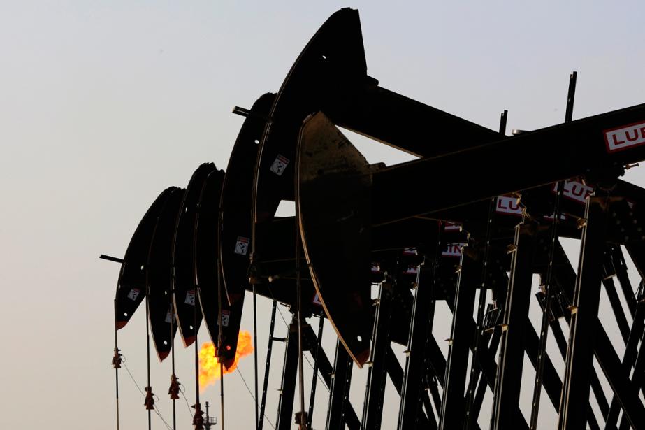 Les prix du pétrole ont fini la séance presque à... (PHOTO HASAN JAMALI, AP)
