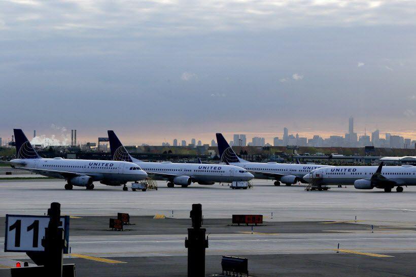 United explique que ses 17 vols aller-retour entre... (Photo Julio Cortez, AP)