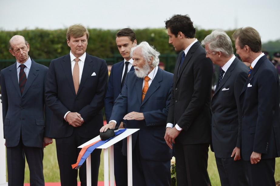 De gauche à droite: le prince Edward, le... (PHOTO JOHN THYS, AFP)