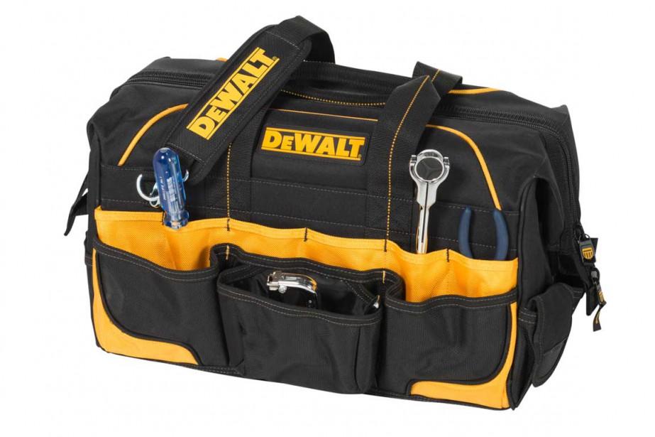 Le refermable : certains papas traînent leur sac à outils comme d'autres leur sac de sport. Ce sac refermable Dewalt de qualité entrepreneur possède une grande capacité de rangement : 28compartiments à l'extérieur et 14 à l'intérieur. Avec courroie de transport ajustable.54 $ chez Canac ()