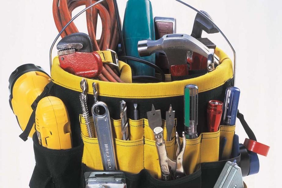 L'astucieux : pour le papa pratico-pratique. Ce sac à outils amovible KUNY'S en toile robuste s'installe sur la plupart des seaux et chaudières de 19 litres, vendus séparément. Il comprend 36 poches extérieures et 25 poches intérieures. 19,89 $ chez Canac ()