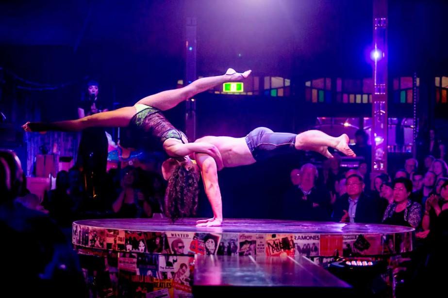 Les acrobates Vlad Ivashkin etAiusha Khadzh Khamed (Photo Patrick Beaudry)