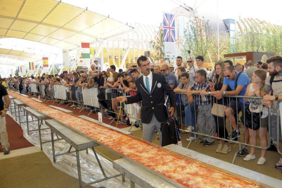 Le juge du Guinness des records, Lorenzo Veltri,... (Photo Daniele Mascolo, AP)