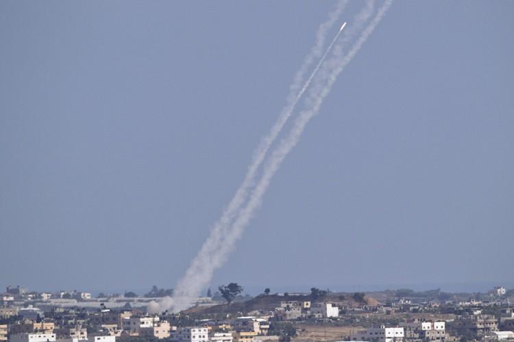 Une roquette palestinienne est apparemment tombée dans une... (ARCHIVES AP)