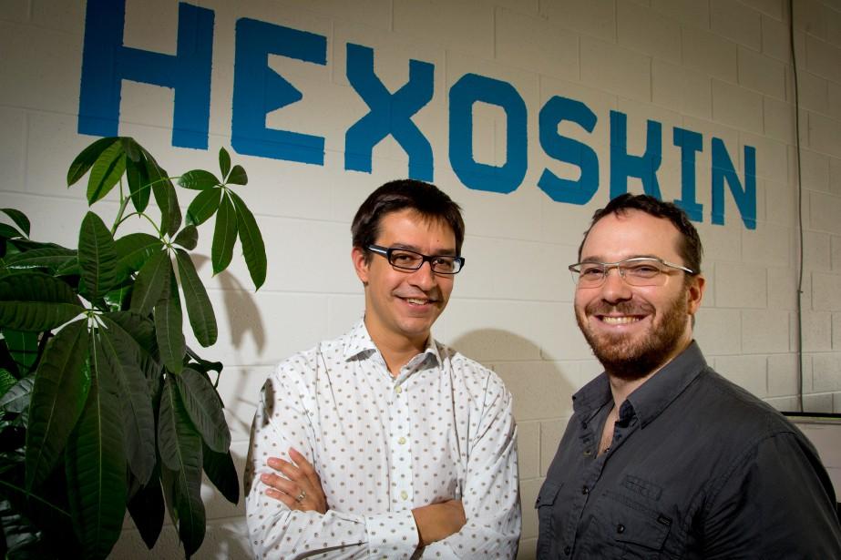 Les cofondateurs d'Hexoskin: Pierre-Alexandre Fournier (à gauche) et... (PHOTO ALAIN ROBERGE, LA PRESSE)