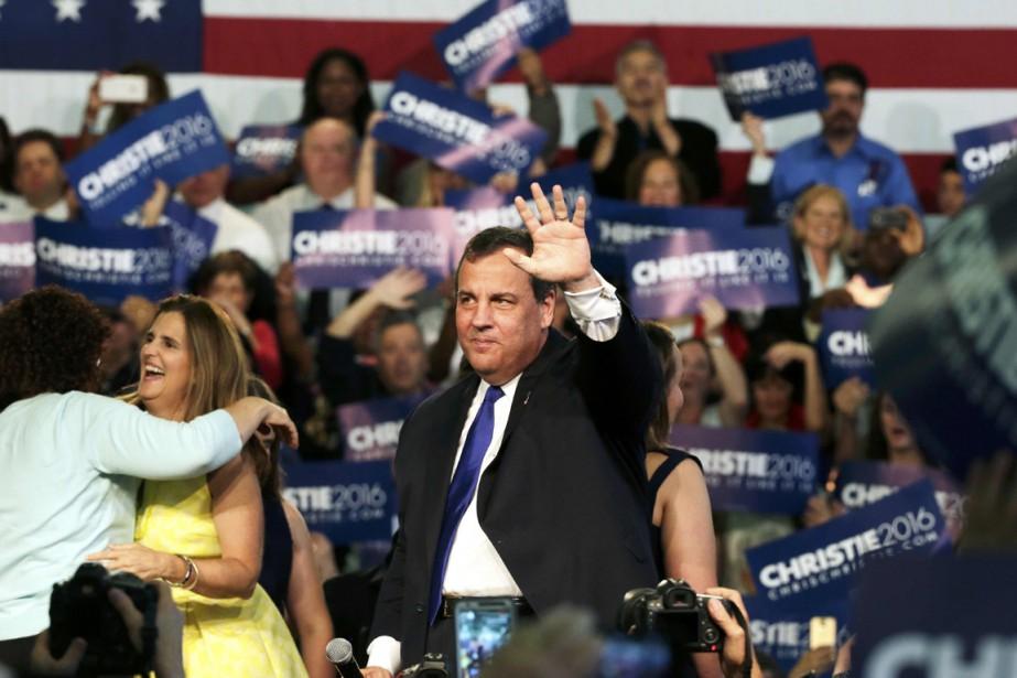 Chris Christie est officiellement candidat à l'investiture républicaine... (PHOTO BRENDAN MCDERMID, REUTERS)
