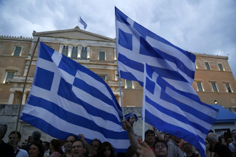 Les manifestants se sont réunis sur la place... (Photo Petros Karadjias, AP)