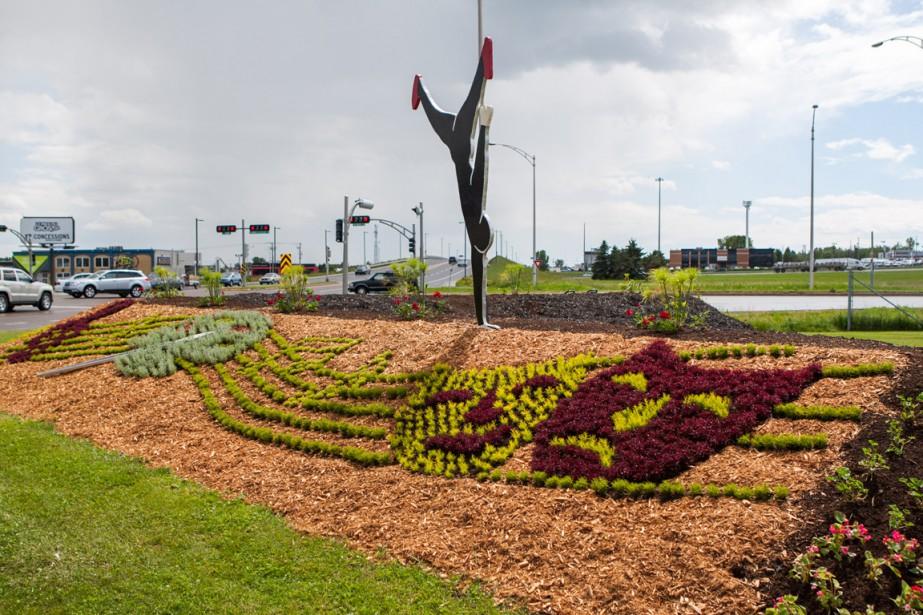 Boulevard Jean-XXIII: la mosaïque représente les 40 ans des découvertes culturelles. (Photo: Olivier Croteau, Le Nouvelliste)
