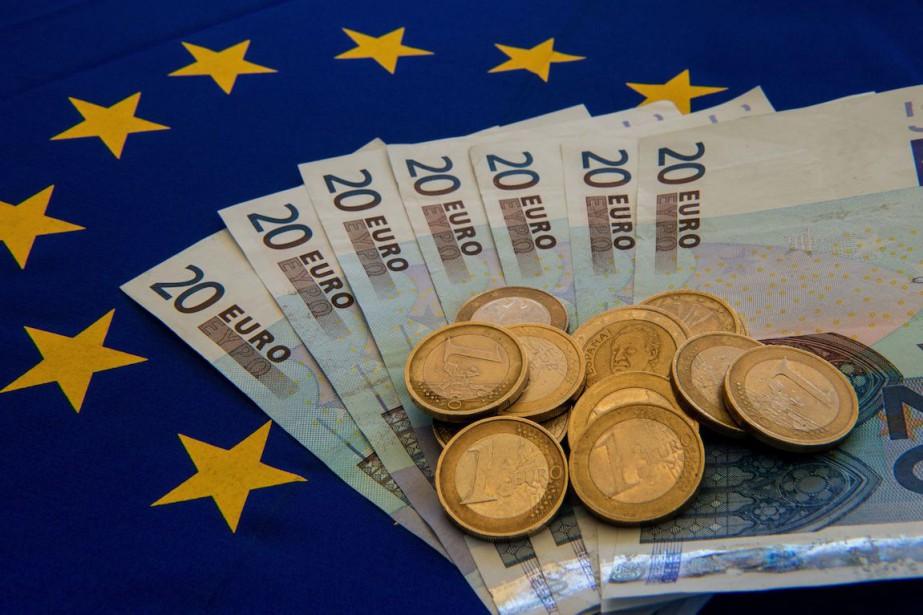 La France a emprunté 7,078 milliards d'euros à court... (PHOTO ARCHIVES AFP)