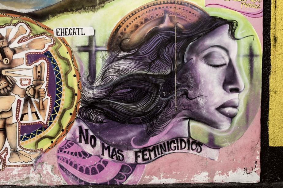 Une murale appelant à la fin des féminicides,... (PHOTO OMAR TORRES, AFP)