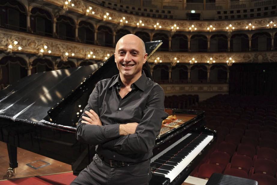 Lundi soir, à l'église de Saint-Sulpice, le pianiste... (PHOTO FOURNIE PAR DISPEKER ARTISTS)