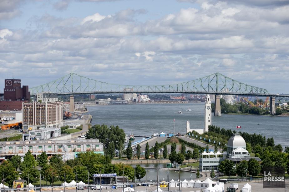 La Ville de Montréal souhaite récupérer du fédéral... (PHOTO DAVID BOILY, LA PRESSE)