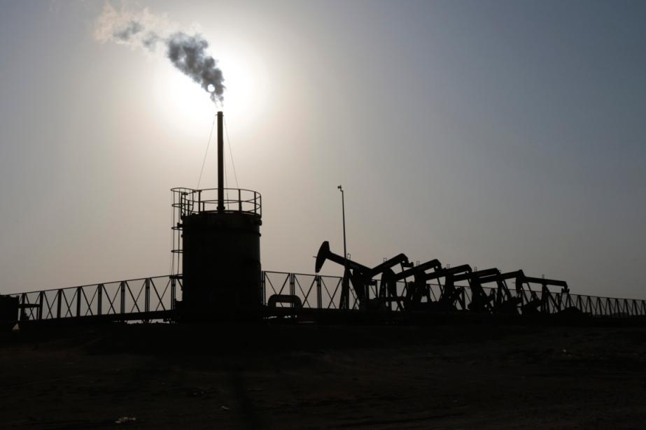 Les prix du pétrole cherchaient une... (PHOTO HASAN JAMALI, ARCHIVES AP)