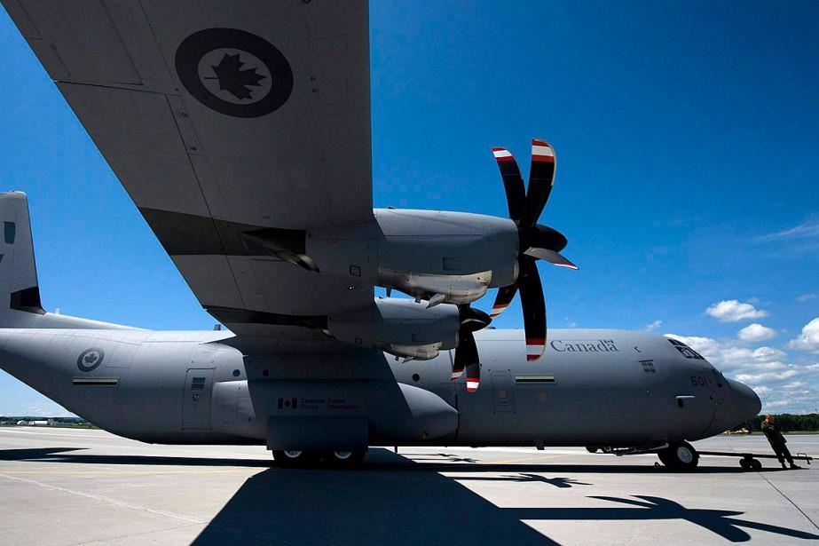 Un avion Hercules, Transport Canada, la Garde côtière,... (Photo Adrien Veczan, archives PC)