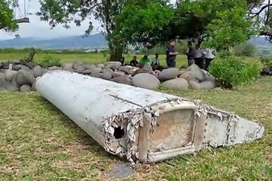 D'une longueur de deux mètres, le débris a... (PHOTO ARCHIVES AP)