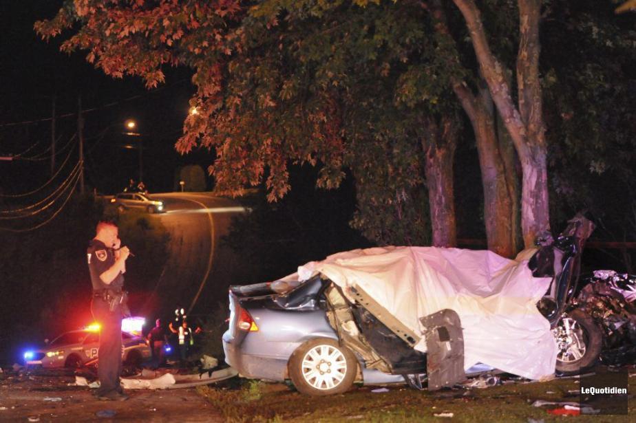 La camionnette del'accuséa percuté un véhicule qui transportait... (PHOTO MICHEL TREMBLAY, LE QUOTIDIEN)