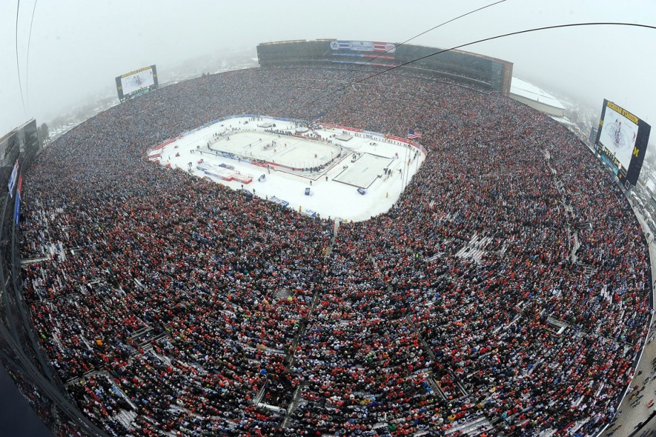 Le commissaire de la Ligue nationale de hockey, Gary Bettman,... (Photo AP)