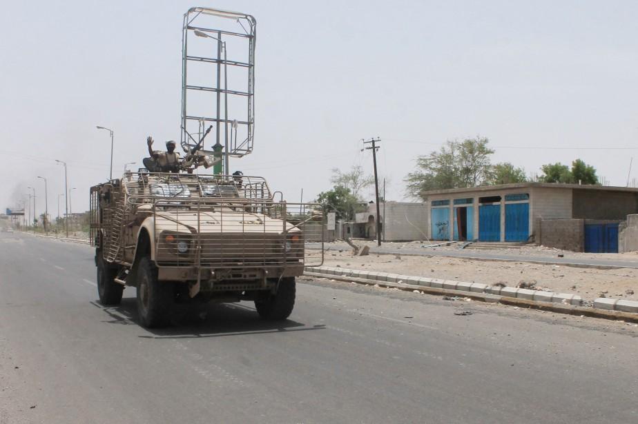 Les forces loyalistes continuent de gagner du terrain... (PHOTO SALEH AL-OBEIDI, AFP)