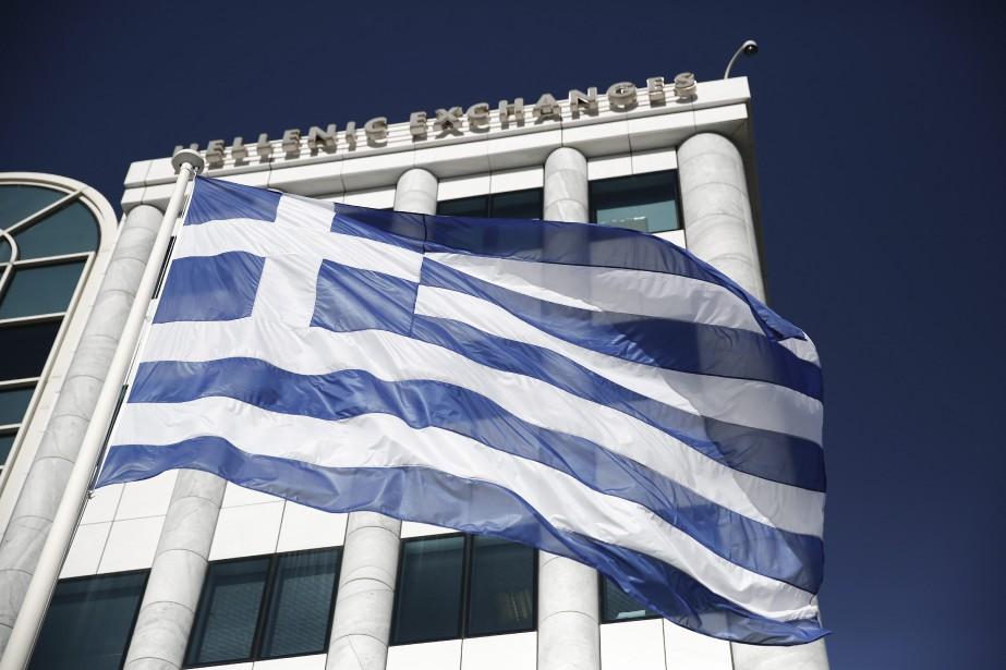 Depuis la reprise des échanges boursiers lundi, après... (Photo Petros Giannakouris, AP)