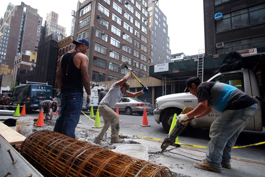 Sur un an, les inscriptions hebdomadaires au chômage... (PHOTO ARCHIVES AFP)