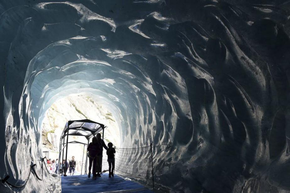 C'est un escalier qui vaut tous les discours sur le réchauffement... (PHOTO AFP)