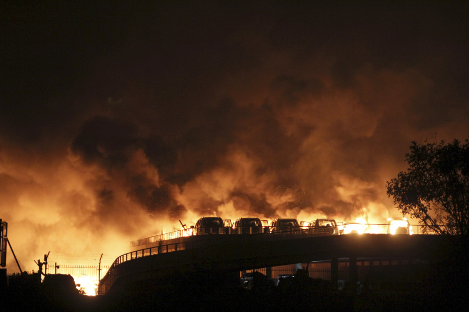 Une énorme explosion a eu lieu mercredi soir... (Photo Reuters)