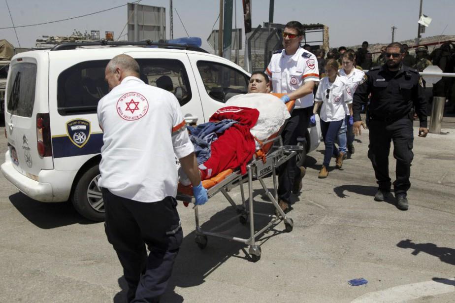 Un Palestinien a été abattu samedi par l'armée... (Photo Mahmoud Illean, AP)