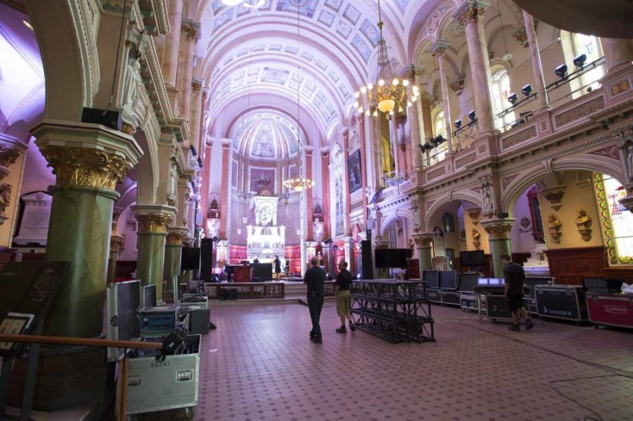 Le mariage a été célébré dans la chapelle laïque du Musée de l'Amérique francophone. | 15 août 2015