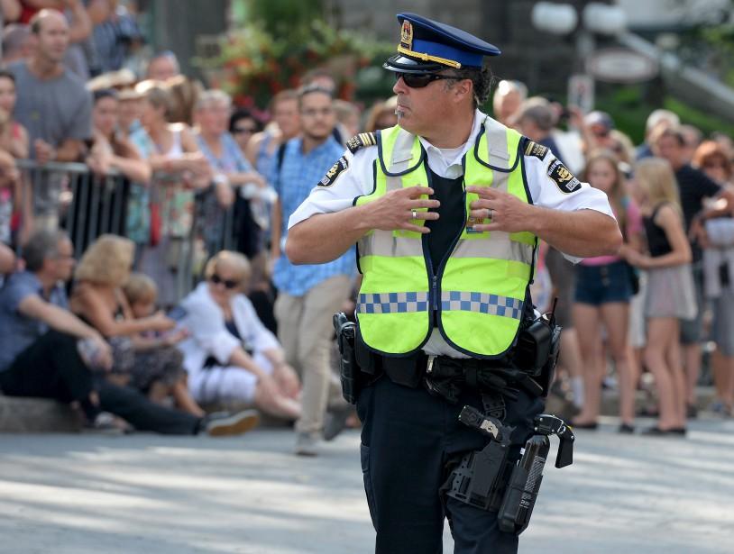 Les policiers faisaient sentir leur présence. (Le Soleil, Erick Labbé)