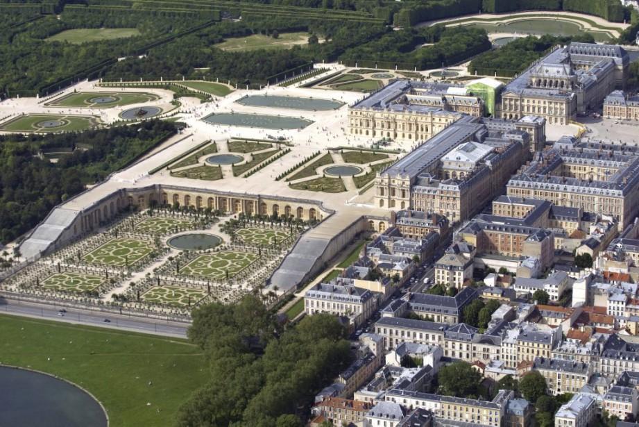 Le château de Versailles et ses jardins.... (PHOTO JOEL SAGET, ARCHIVES AFP)