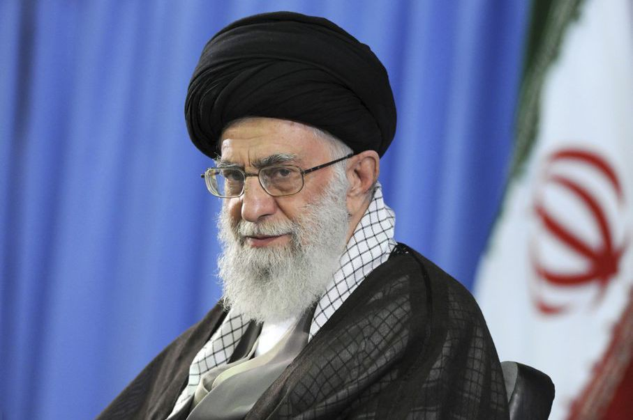 L'ayatollah Khamenei, ultime décideur dans le dossier nucléaire,... (PHOTO ARCHIVES AP)