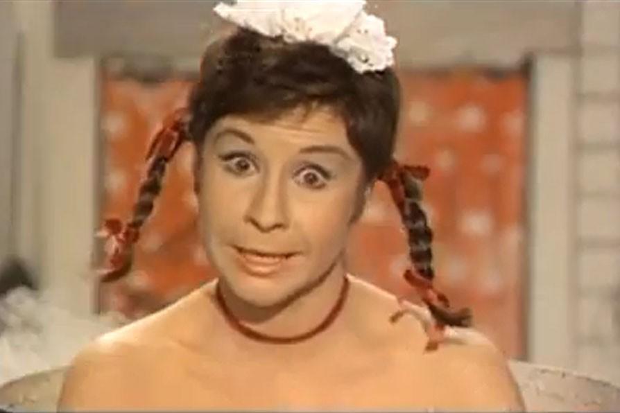 Lina Morgan dans une scène du film La... (IMAGE TIRÉE DE YOUTUBE)