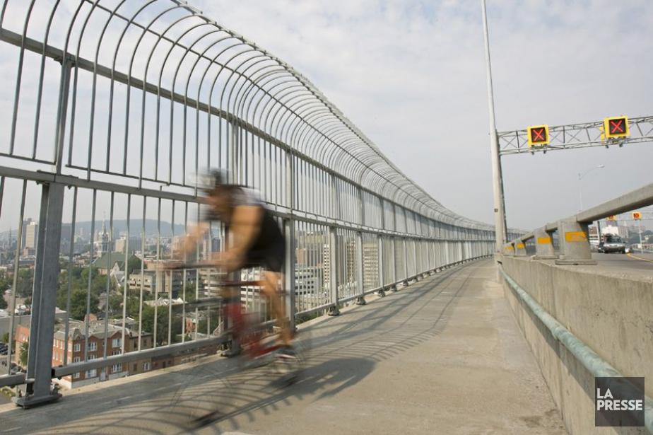 Depuis trois ans, sur la piste cyclable du... (PHOTO DAVID BOILY, LA PRESSE)