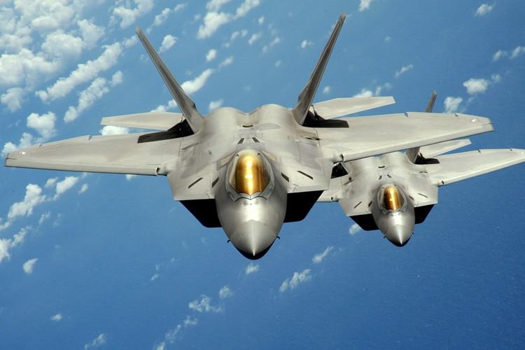 Le F-22 est un chasseur ultra-moderne conçu pour... (PHOTO REUTERS)